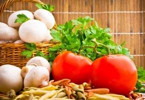 корзина, помидоры, грибы, шампиньоны, зелень