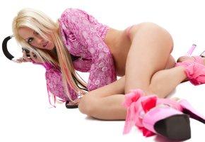 блондинка, наушники, ноги, туфли, каблуки, блузка