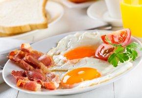 завтрак, яичница, бекон, помидор, зелень, Breakfast