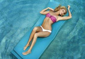 Victoria Winters, блондинка, матрас, тело, бассейн, фигурка, тату