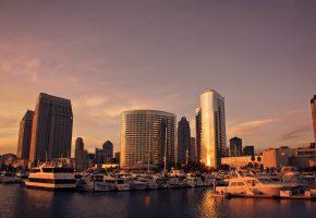 Сан-Диего, юг США, порт, корабли, здания, вечер