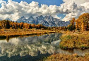 Обои осень, горы, река, трава, деревья