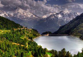 Обои озеро, лес, горы, деревья, облака