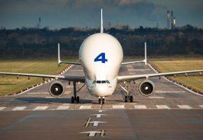A300-600ST, Beluga, широкофюзеляжный, реактивный, грузовой, самолёт, аэродром