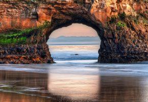 Обои пляж, океан, дыра, скала, песок