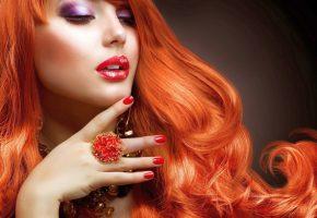 женщина, рыжая, рука, помада, украшения, макияж