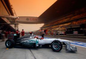 Обои Mercedes GP, Petronas, Formula One Team, Болид, Michael Schumacher, Михаэль Шумахер, Гран-при Китая, Трасса, Автодром, Шанхая