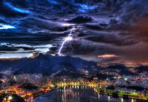 Обои Rio de Janeiro, Brazil, пейзаж, ночь, небо, тучи, гроза, молния, гавань, залив, огни, гроза, лодки, дома