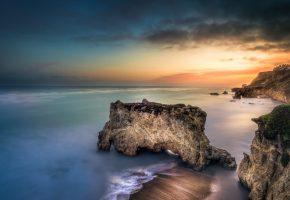 Обои океан, море, скалы, берег, закат, вода