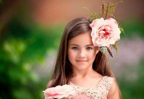 девочка, лицо, взгляд, цветы, улыбка, фон