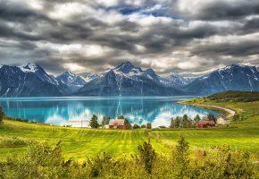 Обои Горы, озеро, домик, поле, трава, тучи, Norway