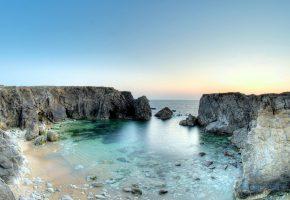 Обои море, скалы, небо, залив, камни
