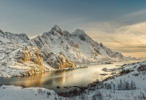 Обои Норвегия, море, снег, побережье, берег, камни, небо, горы