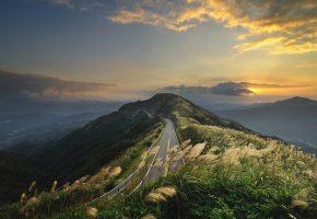 Обои дорога, горы, холмы, серпантин, красота, солнце, лучи, закат