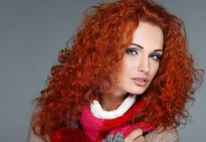 Обои Девушка, модель, зеленые глаза, макияж, губы, лицо, волосы, рыжая, кофта
