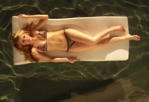 Обои Бассейн, купальник, отдых, загар, девушка, милая, фигурка