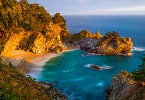 Обои Залив, берег, песок, скалы, деревья, море