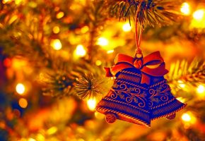 Обои Новый год, елка, огоньки, колокольчики, игрушки