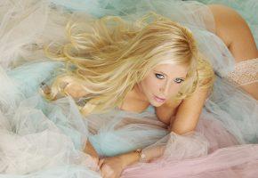 Обои Девушка, блондинка, платье, взгляд, наряд, чулки