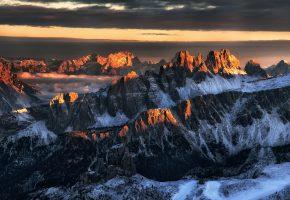 Обои горы, дорога, снег, солнце, утро