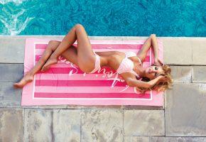 Обои fashion, model, блондинка, бассейн, модель, фигурка, полотенце
