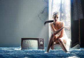 девушка, телевизор, потоп, ситуация