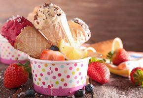 Обои ice cream, sweet, dessert, fresh, berries, strawberry, мороженое, десерт, сладкое, ягоды, клубника