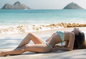 Обои девушка, фигура, купальник, море, пляж, песок