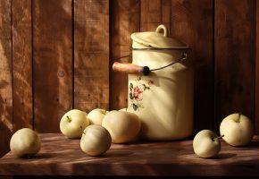 Обои лето, солнце, яблоки, бидон, стол