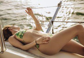 девушка, купальник, очки, лежит, поза, яхта
