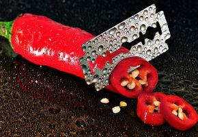 Обои перец, красный, семена, капли, лезвие