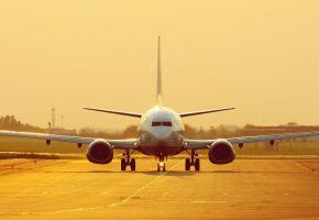 Обои утро, взлётная полоса, самолёт, крылья, турбины