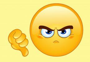 Обои face, angry, thumb down, смайлик, лицо, палец, злой