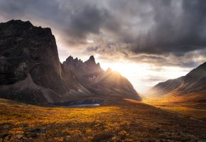 Обои горы, осень, закат, скалы, тучи