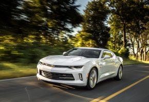 Обои Chevrolet, камара, белый, суперкар, фото, дорога, скорость