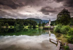 озеро, парк, деревья, зелень, домик, тучи, пасмурно