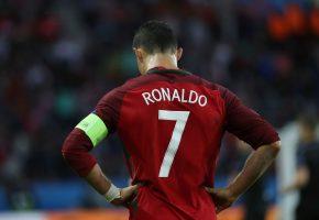 Обои Cristiano Ronaldo, Ronaldo, national team, спорт, Криштиану Роналду, форма, Португалия, 7, футболист, игрок, футбол, football