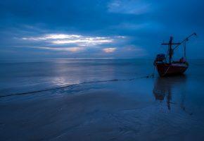 Обои ночь, море, лодка, берег, песок