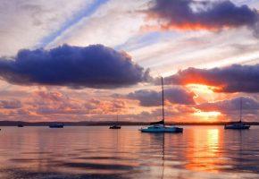 лодки, облака, море, небо, закат