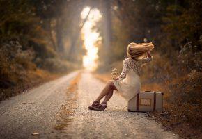 Обои Девушка, дорога, чемодан, ветер, волосы