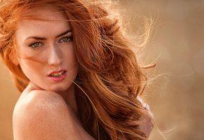 Девушка, красивая, позирует, волосы, рыжие, взгляд, плечо, глаза