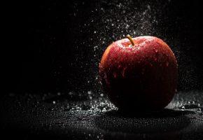 яблоко, роса, капельки, темный фон, фрукт