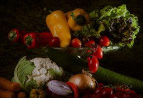 еда, овощи, ассорти, салат, капуста, цветная, перец, болгарский, перец, чили, огурец, лук, морковь, помидоры